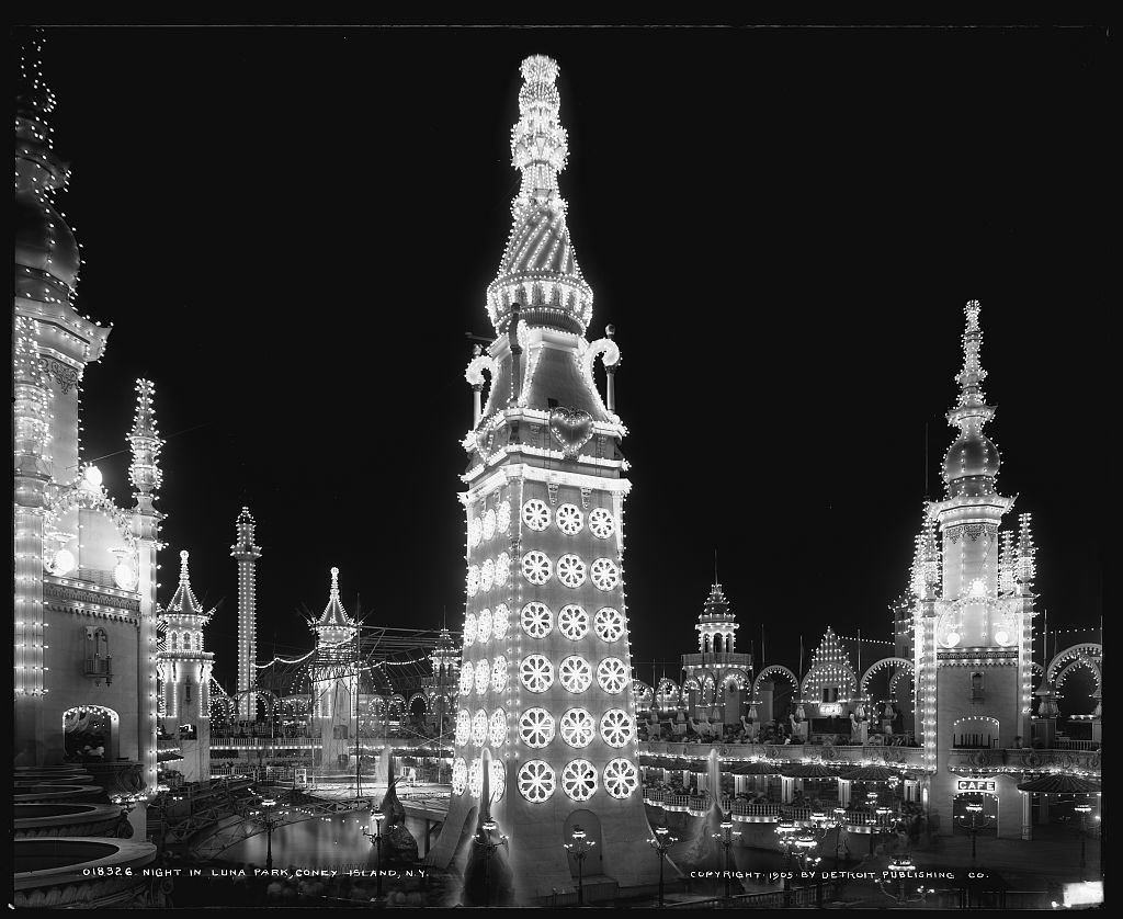 Luna Park Tower at Night